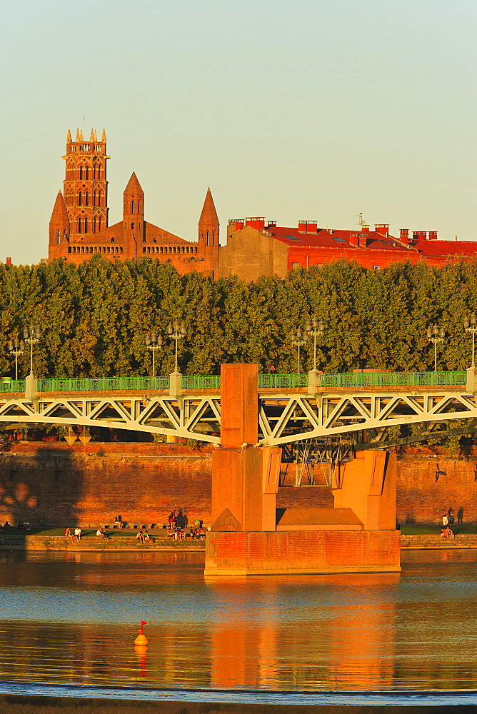 France, Toulouse, Saint Pierre bridge, reflection