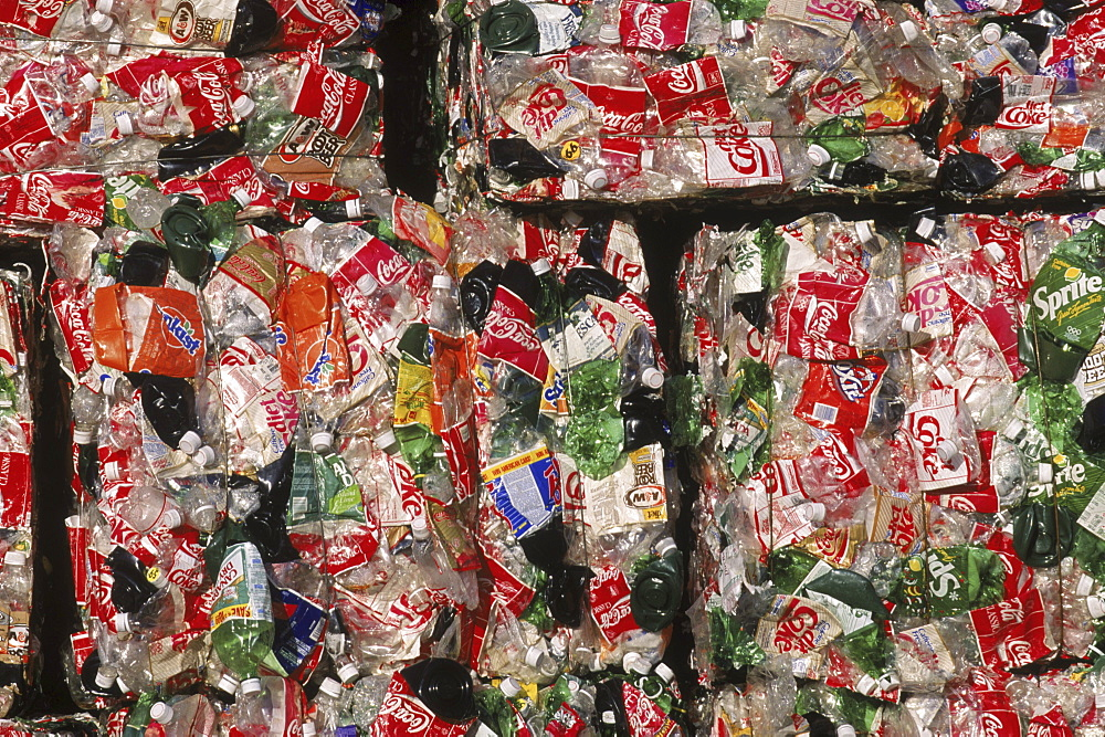 Wellman, Inc, recycling plastic bottles.