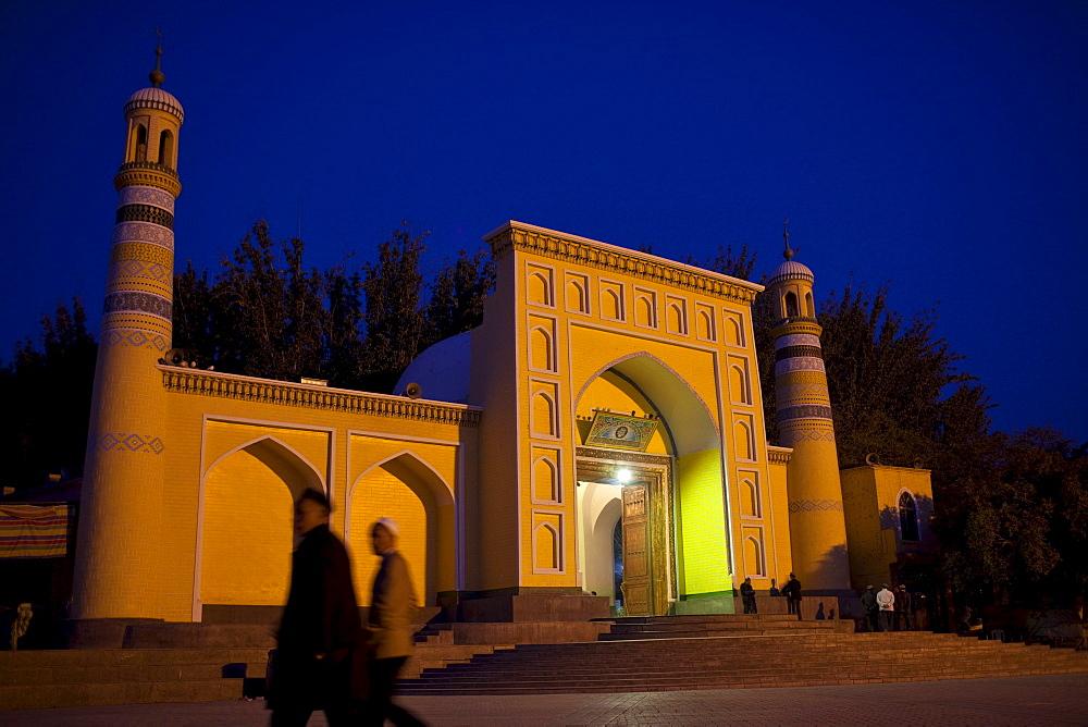Id Kah mosques at night, Kashgar, Xinjiang, China.