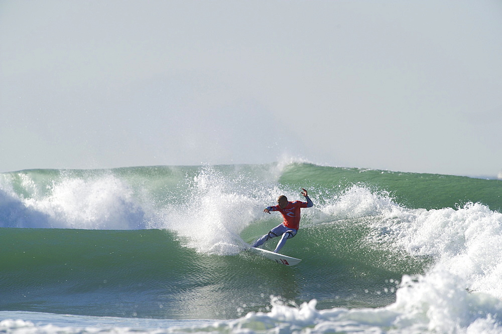 Kelly Slater winning the ASP 2011 world title at San Francisco, California