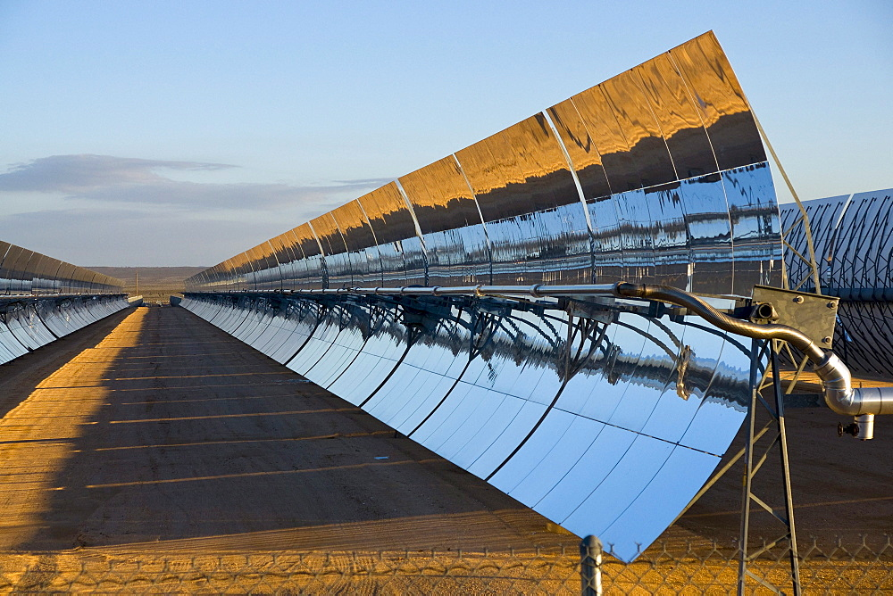 A solar power plant - 857-78858