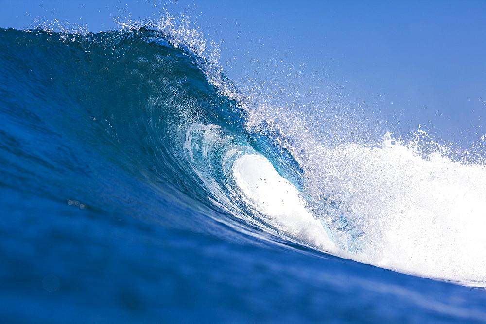 Blue Ocean Wave.