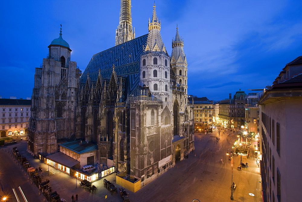 St. Stephenᅡᄡs Cathedral (Stephansdom) at night. Vienna. Austria.
