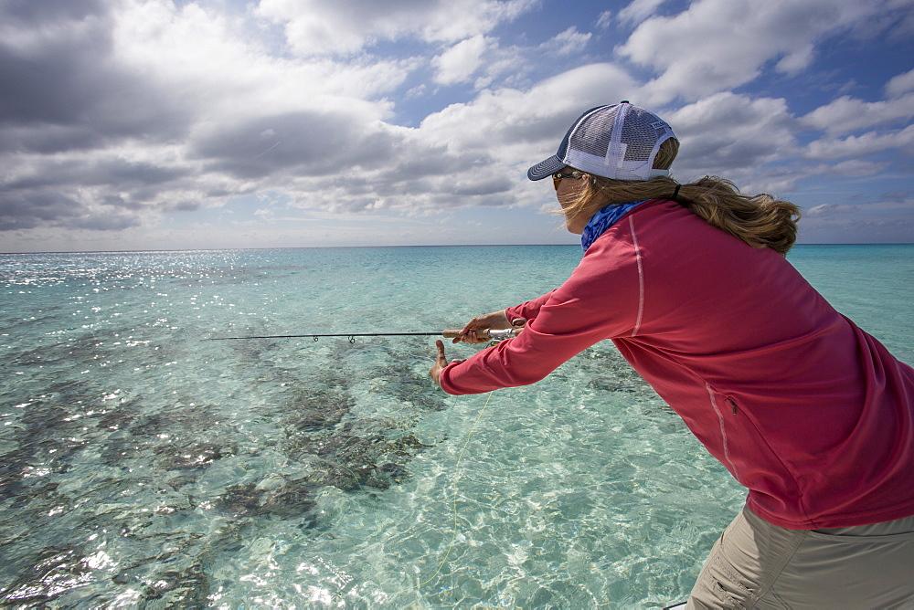 A woman explores the Cayo Largo and Cayo Cruz fisheries. Cuba, January 2016.