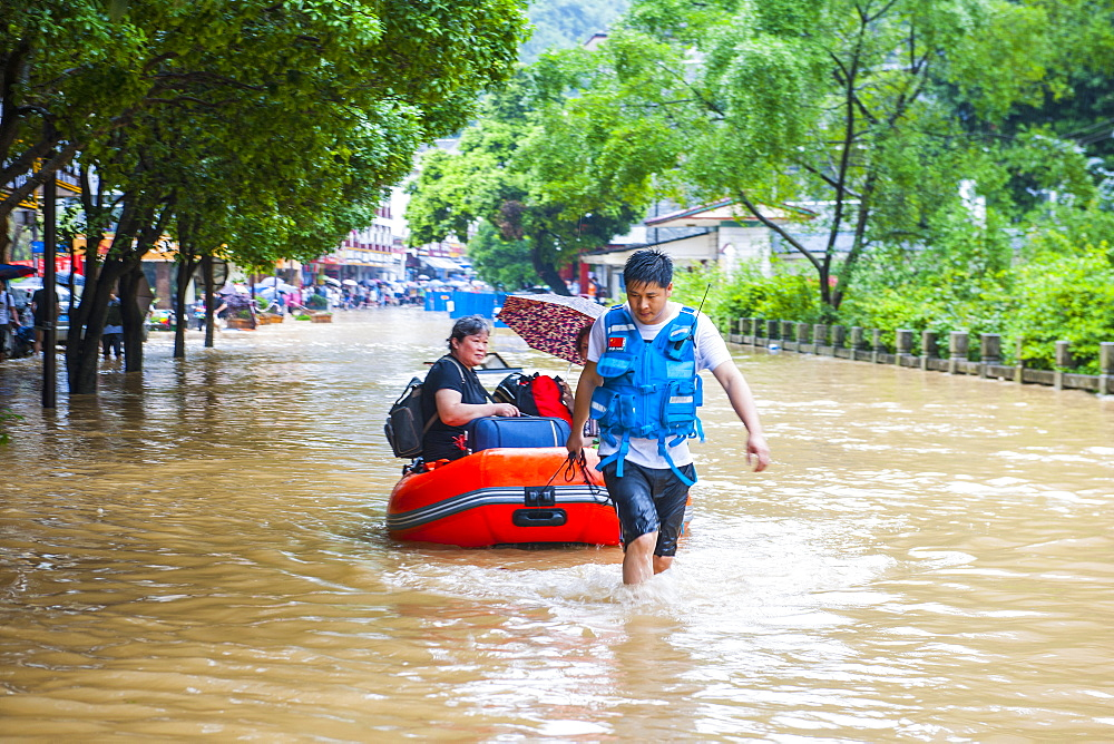 Rescue Workers During The Floods In Yangshuo - 857-93413