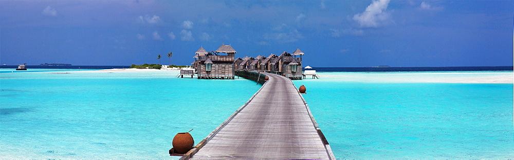 Panoramic view of stilt house villas atGiliLankanfushiisland