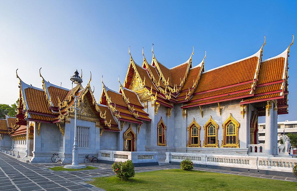 Wat Benchamabophit, known as marble temple, Bangkok, Thailand