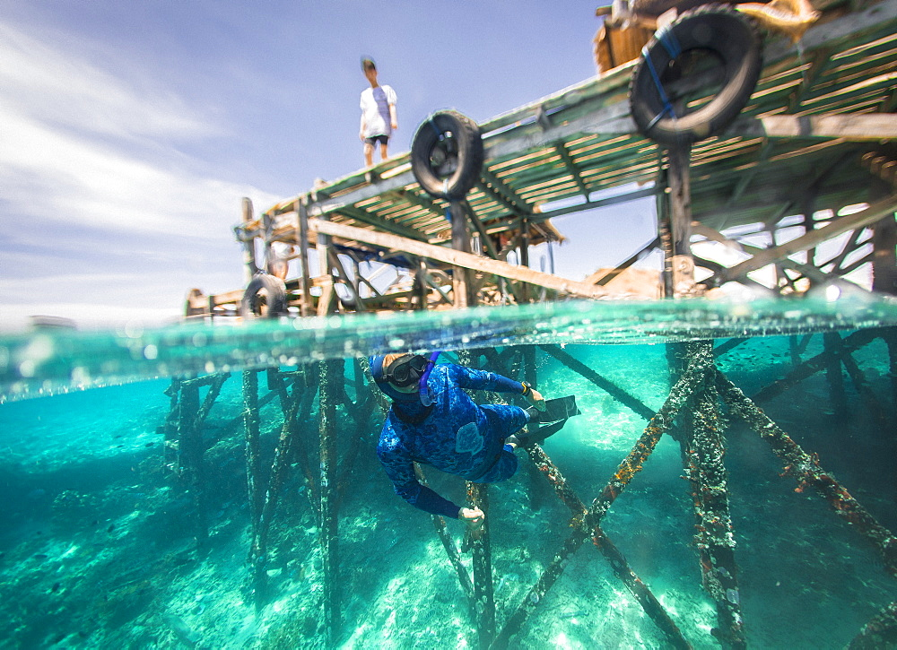 Freediver underwater, Komodo, Nusa Tenggara Timur, Indonesia - 857-95788