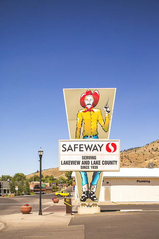 View of sign of store under clear sky in Lakeview, California, USA