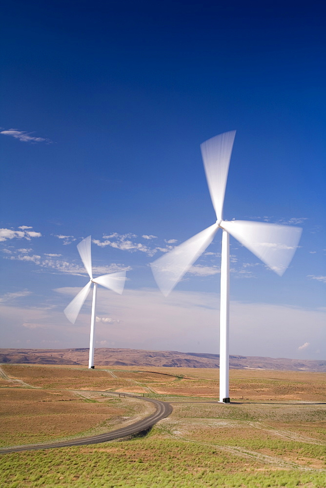 Windmills collecting wind energy on the Columbia River Gorge near Arlington, OR, United States of America
