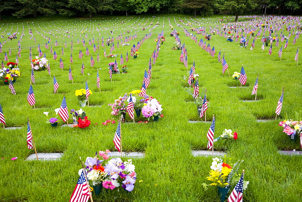 Memorial Flowers And Flags, Graveyard, Oregon, Usa