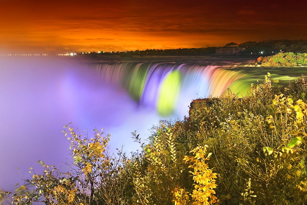 Horseshoe falls lit up at night, Niagara falls ontario canada