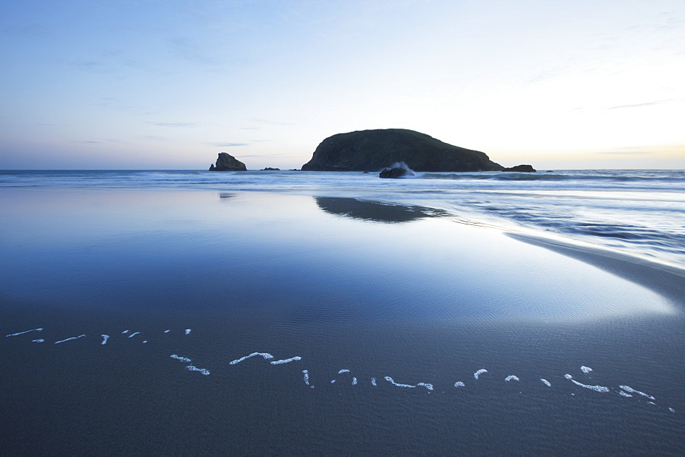 Pacific Ocean And Coast Of Oregon With A Large Rock At Sunset, Oregon, United States Of America - 1116-42214