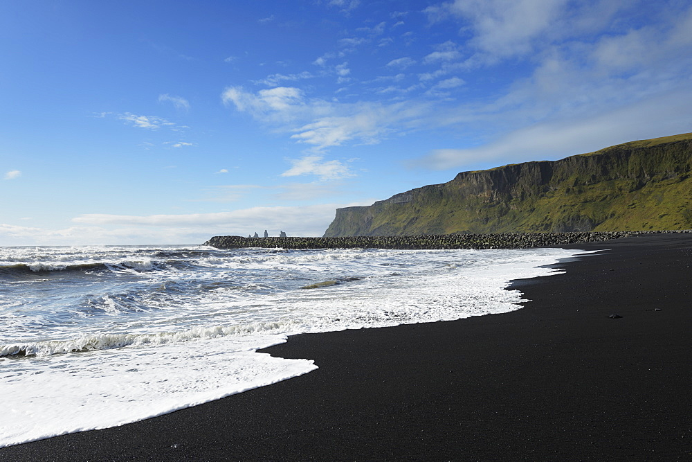 Black Lava Beach With Basalt Stacks Of Reynisdrangar In The Background, Vik, Vestur-Skaftafellssysla, Iceland