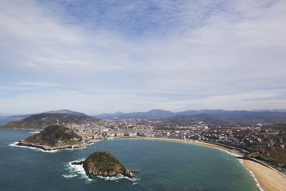 Bay Of La Concha Beach And The Island Of Santa Clara, San Sebastian, Spain