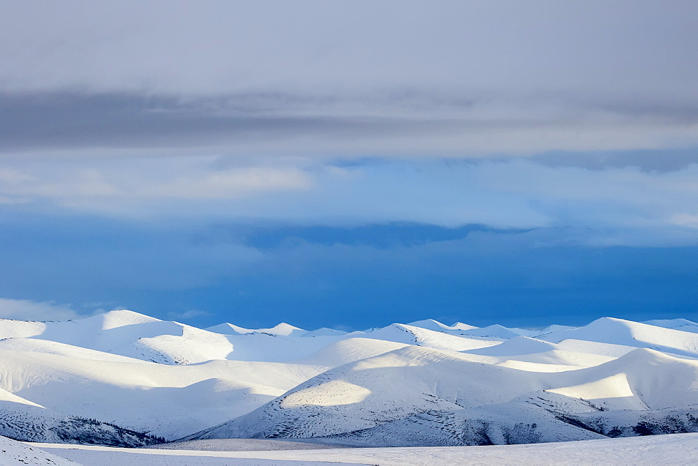Richardson Mountains Along The Dempster Highway In The Northern Yukon, Yukon, Canada
