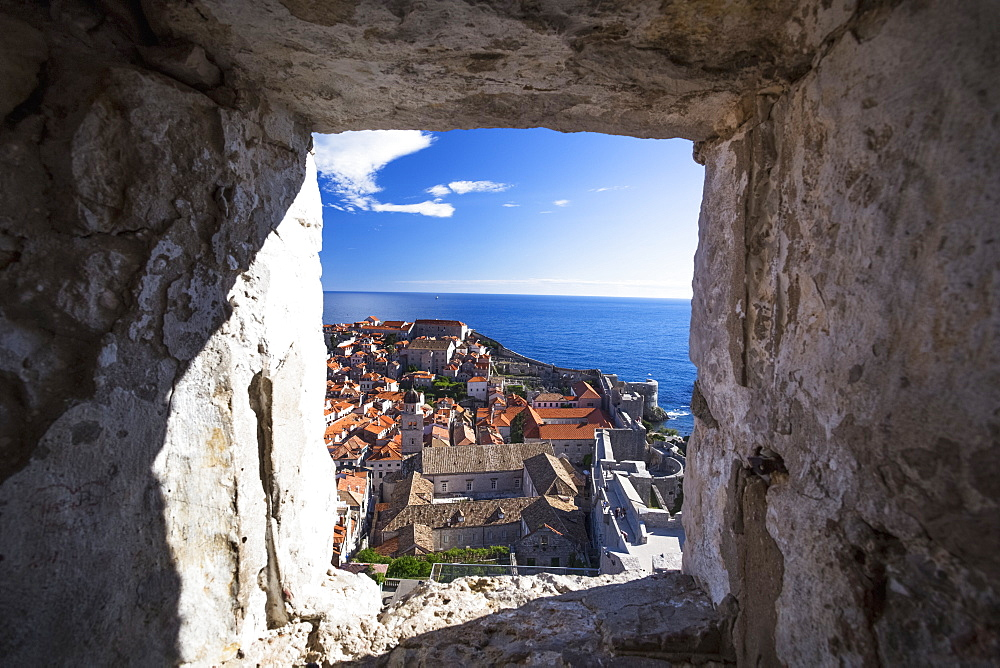 The Walls Of Dubrovnik Surround The Old City Of Dubrovnik And Provide Stunning Scenery And Vantage Points Around The City, Dubrovnik, Croatia