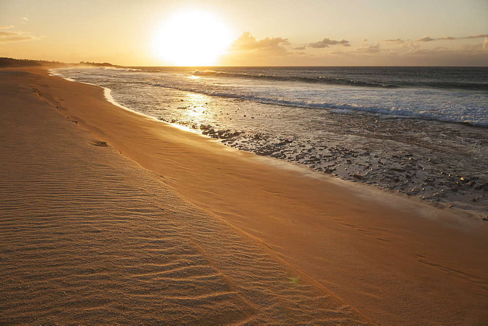 Papohaku Beach Park At Sunset, Molokai, Hawaii, United States Of America