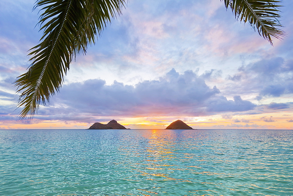 Beautiful Sunrise At Lanikai Beach Overlooking The Twin Makulua Islands, Kailua, Oahu, Hawaii, United States Of America