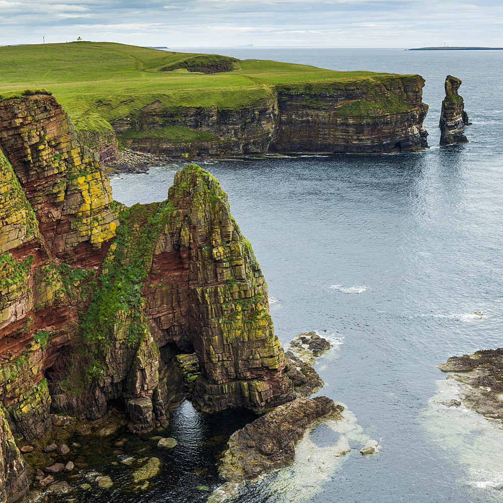 Stacks Of Duncansby And The Rugged Coastline Of Duncansby Head, Scotland