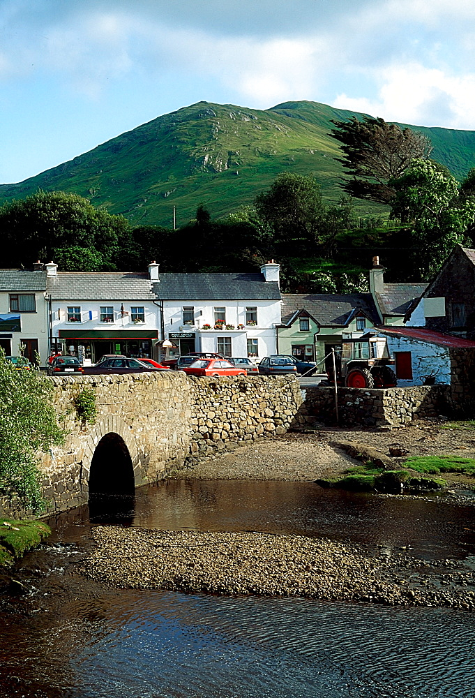 Leenaun Village, Connemara, Co Galway, Ireland