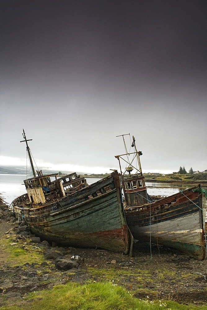 Scotland, Shipwreck On The Shore