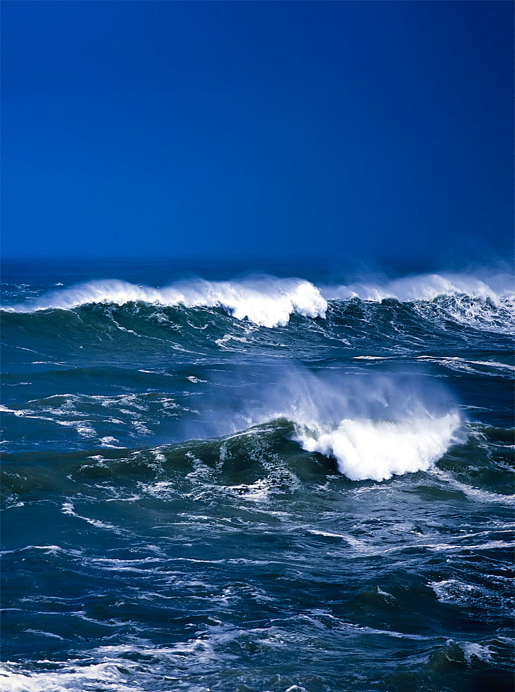 Breaking Waves, Charleston, Oregon, United States Of America