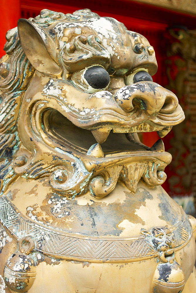 Close Up Of A Statue Of A Lion With Peeling Paint, Honolulu, Oahu, Hawaii, United States Of America