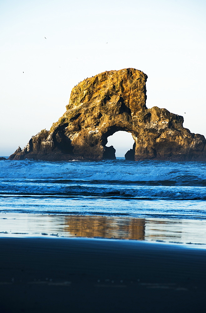 A Large Natural Arch Found At Ecola State Park, Cannon Beach, Oregon, United States Of America