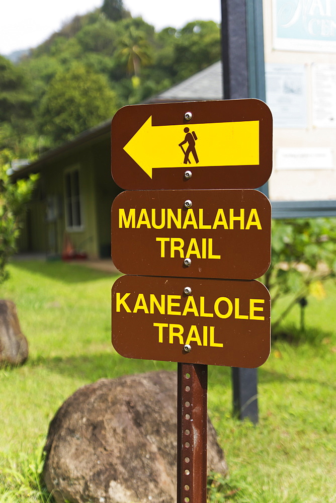 Makiki Loop Trail, With Sign Showing Direction To Trail Head, Oahu, Hawaii, United States Of America