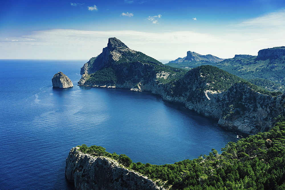 Sunny scenic ocean and cliff view, Cap de Formentor, Mallorca, Balearic Islands, Spain