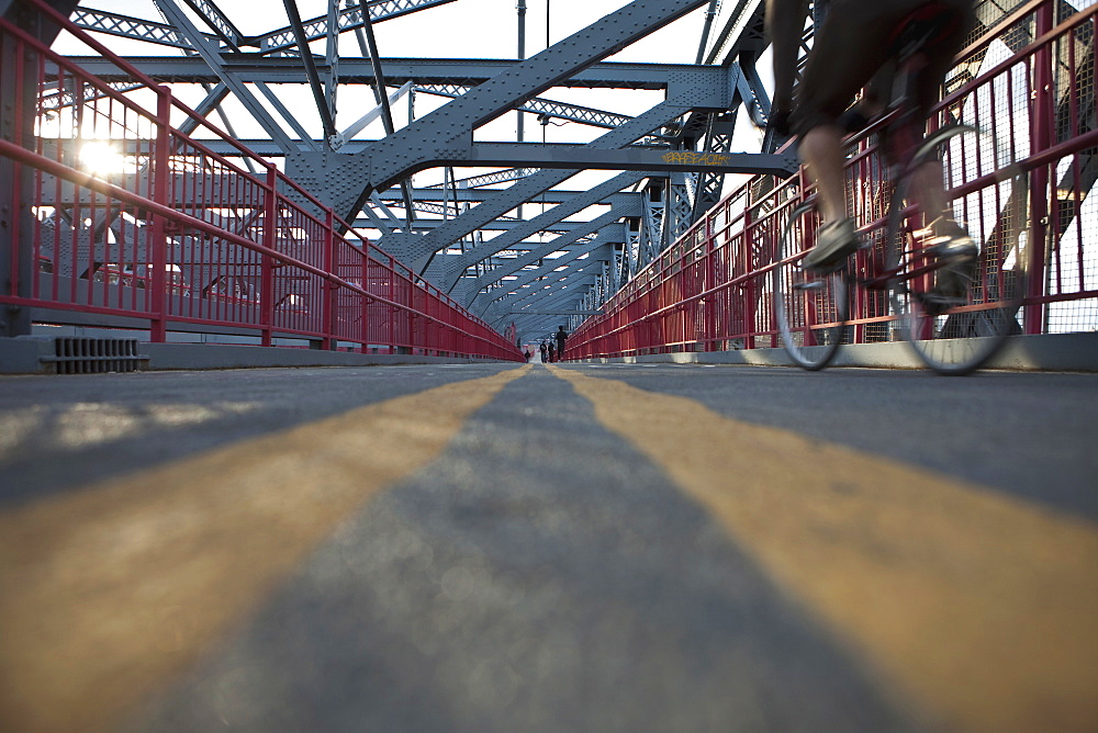 Williamsburg bridge walkway, new york city, ny, usa