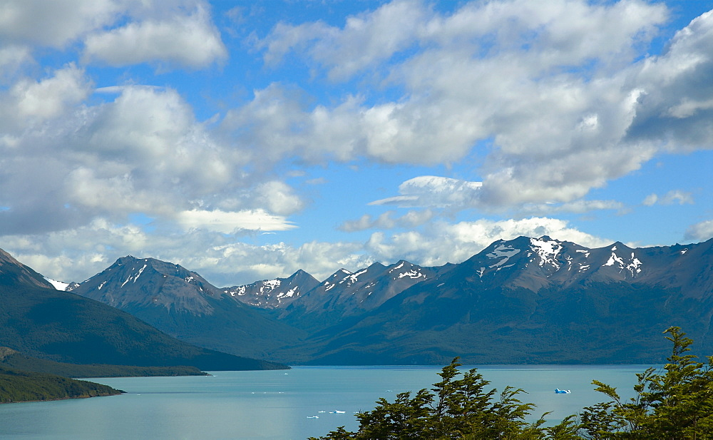Lake in front of mountains, Lake Argentino, Patagonia, Argentina