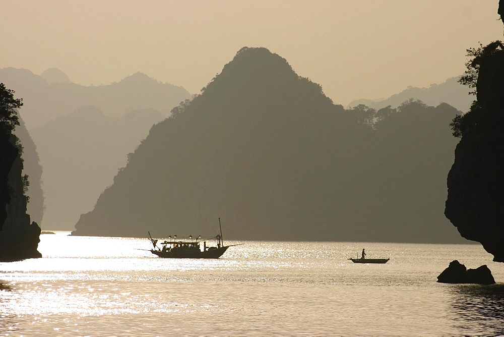 Boats in the sea, Halong Bay, Vietnam