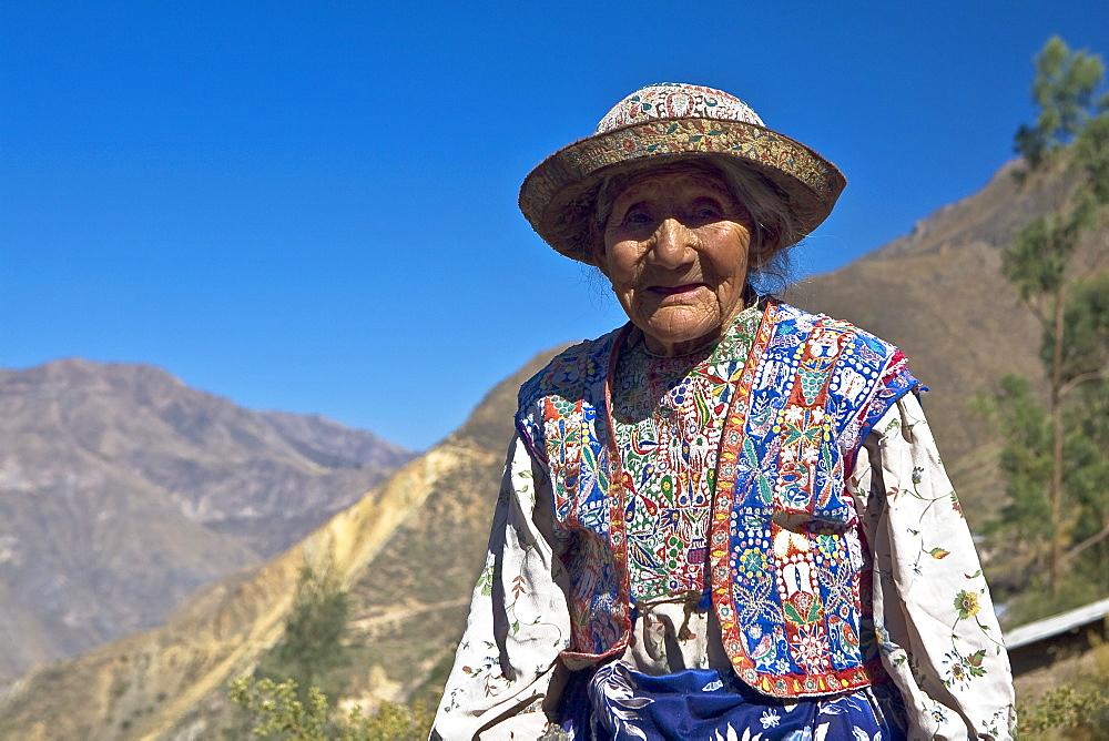 Portrait of a senior woman smiling, Coshnirua, Peru