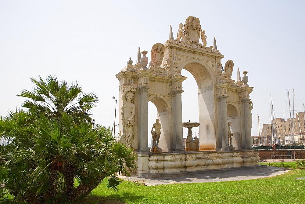 Statues on a fountain, La Fontana dell'Immacolatella, Naples, Naples Province, Campania, Italy