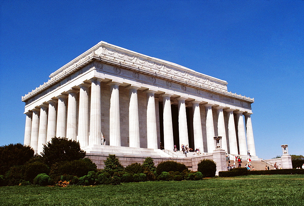 Low angle view of a government building, Lincoln Memorial, Washington DC, USA