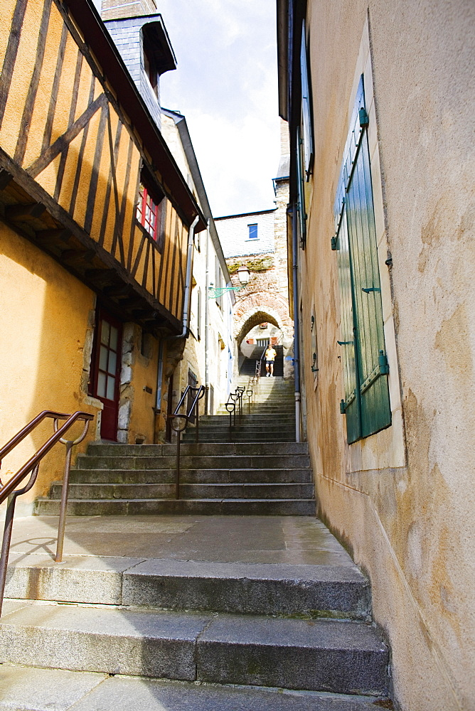 Low angle view of buildings along a staircase, Escalier de la Grande Poterne, Le Mans, Sarthe, France