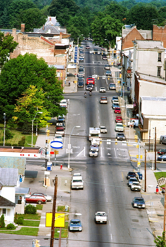 Main street in Wilmington, Ohio--traffic and small town life