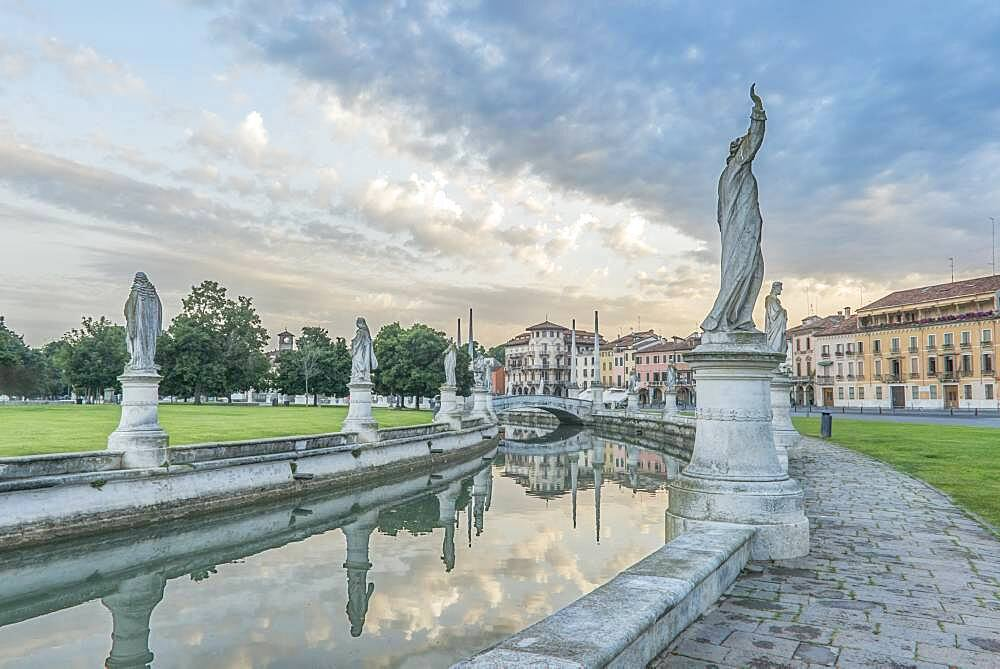 The Prato della Valle town square with sculptures and a canal, Veneto, Italy. - 1174-10001