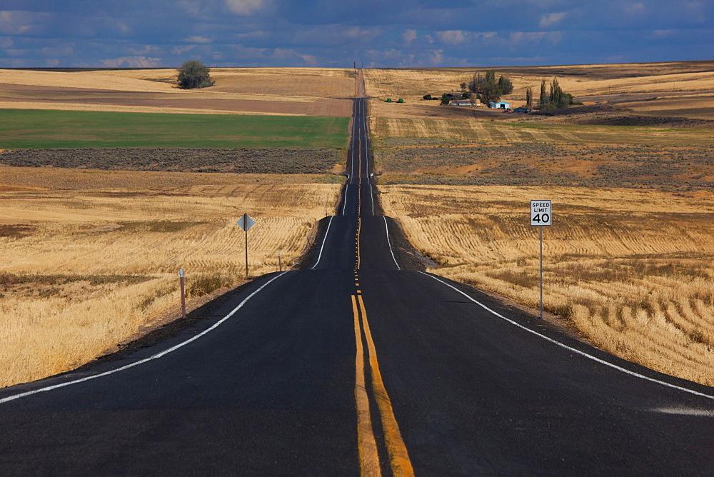Rural road, Palouse, Washington, USA, Palouse, Washington, USA