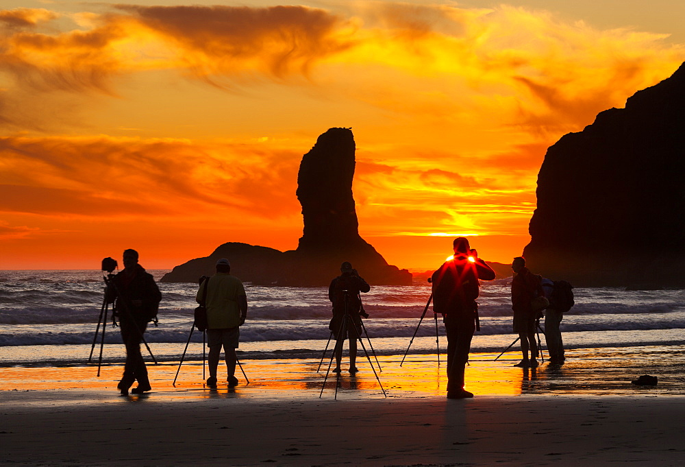 Photographers at sunset at Second Beach, Olympic National Park, Washington, USA, Second Beach, Olympic National Park, Washington, USA