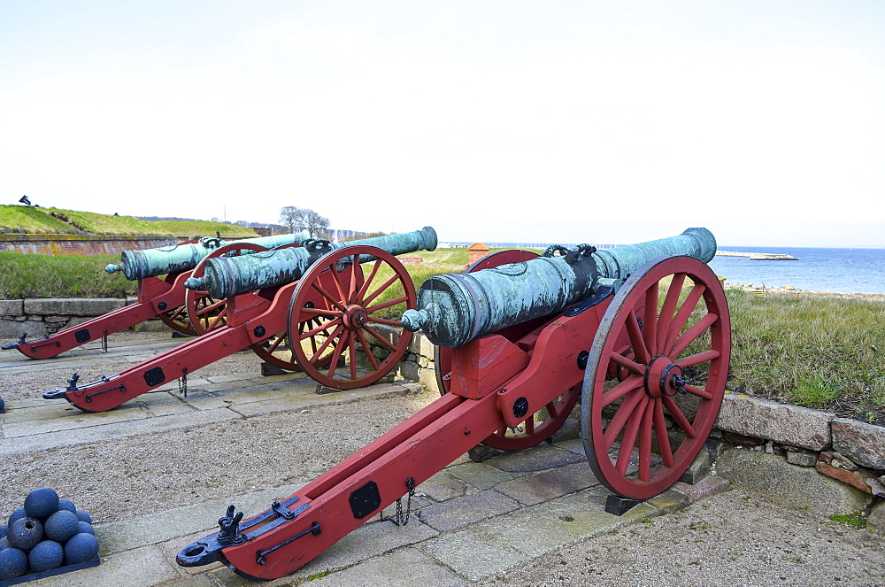 Old cannons outside Kronborg Castle, Helsingor, Denmark, Kronborg Castle, Helsingor, Denmark - 1174-4467