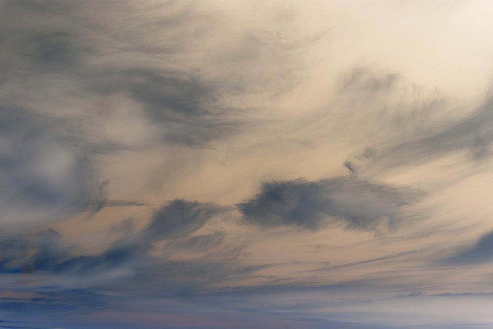 Abstract of overcast sky at dusk. - 1174-4649