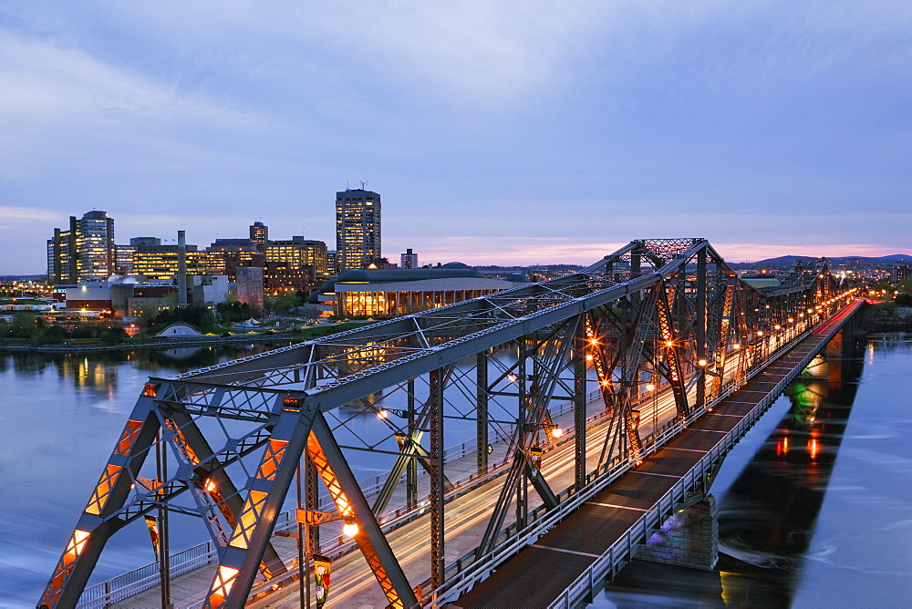 Bridge to City, Ottawa, Ontario, Canada