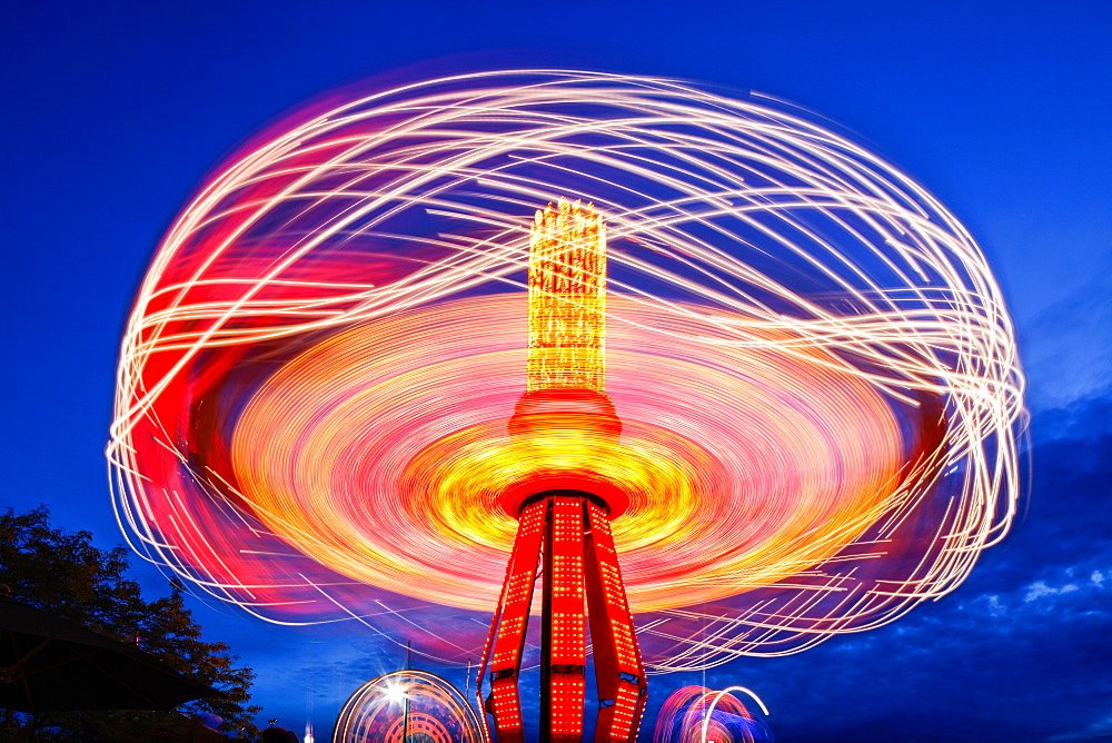 Spinning chain swing ride at Puyallup Fair, Puyallup, Washington, United States, Puyallup, Washington, USA