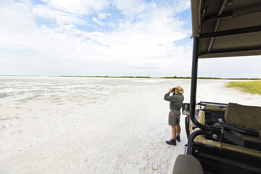 safari guide, Nxai Pan, Botswana