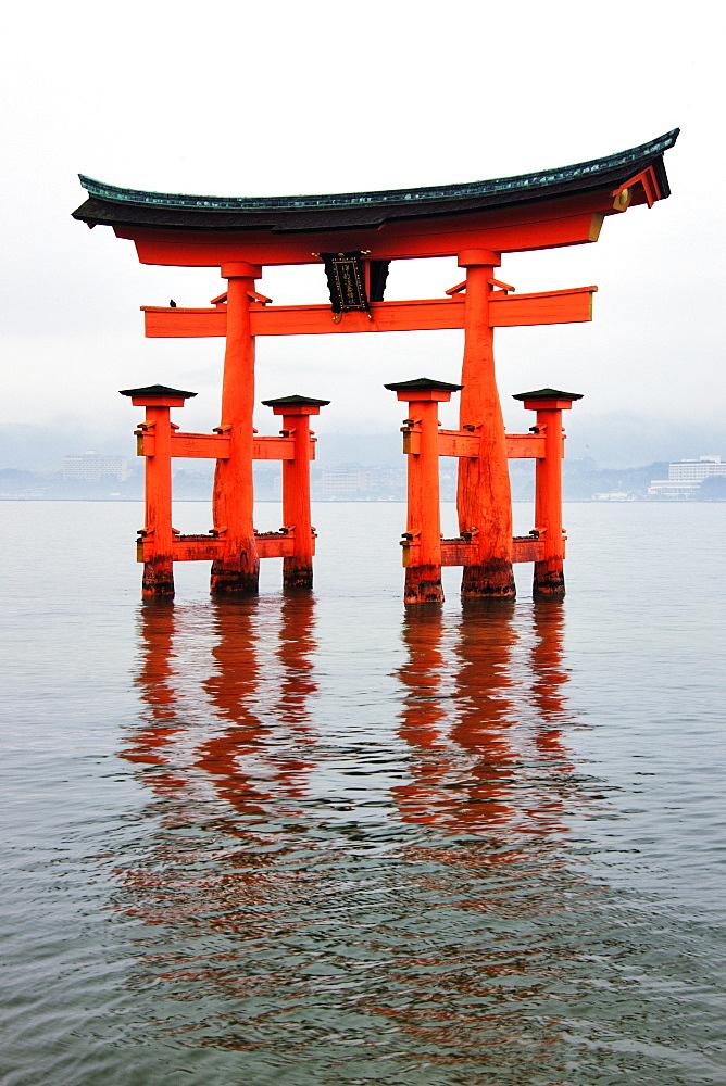 Gate at Itsukushima-Jinja Shrine, Honshu island, Japan, Asia