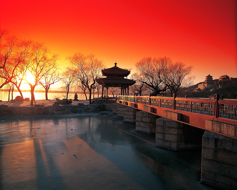 the Pavilion of Perceiving the Spring in the Summer Palace, Beijing - 731-92