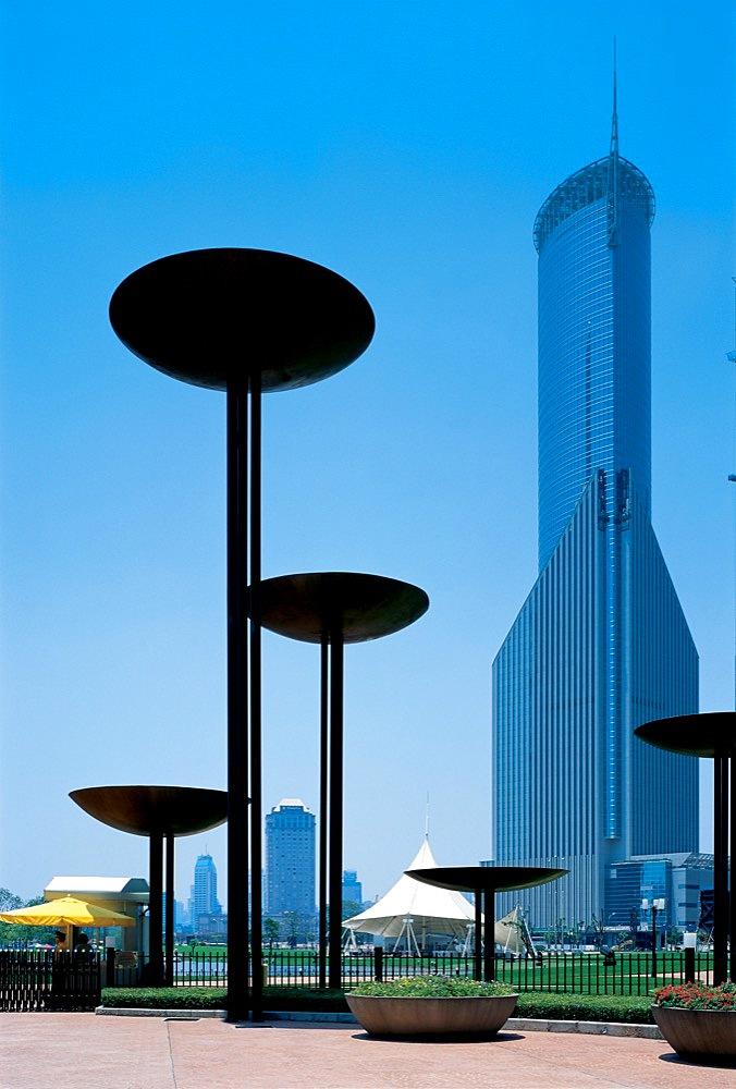 Outdoor sculpture, Shanghai - 731-661